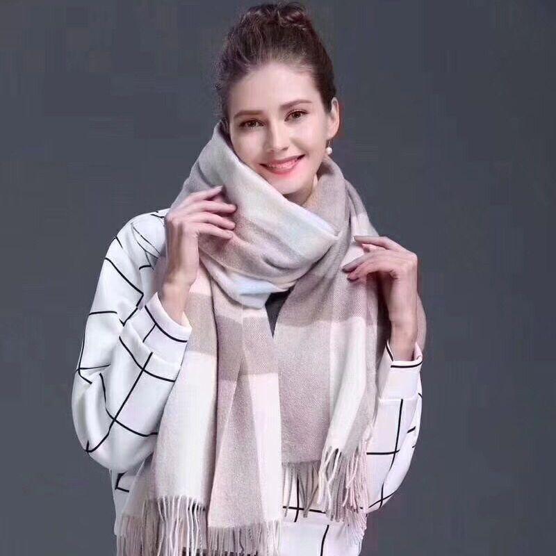 经典款巴巴格羊绒流苏围巾女秋冬季必备高端精品大格披肩欧美风